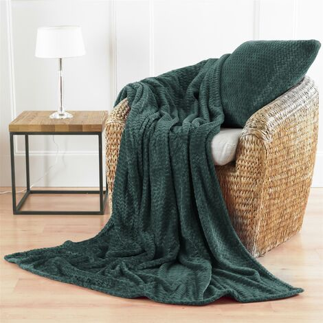 Country Club Chevron Microfibre Blanket Green 150x200cm