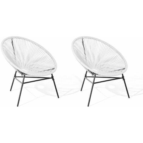 2 chaises design de type spaghetti en rotin blanc pour salon ou terrasse