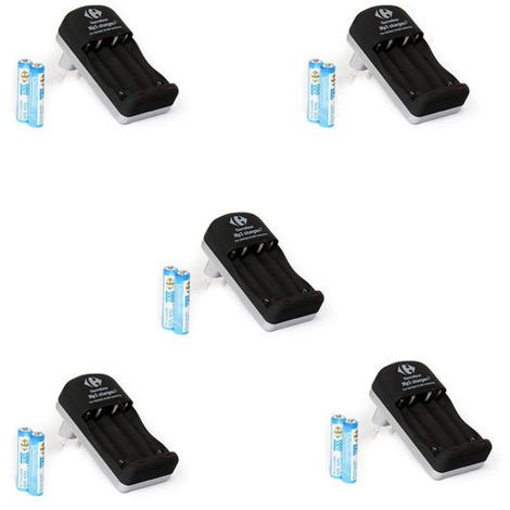 5 chargeurs d'accus Uniross / CRF + 10 piles rechargeables 1,2v-AAA 600 mah