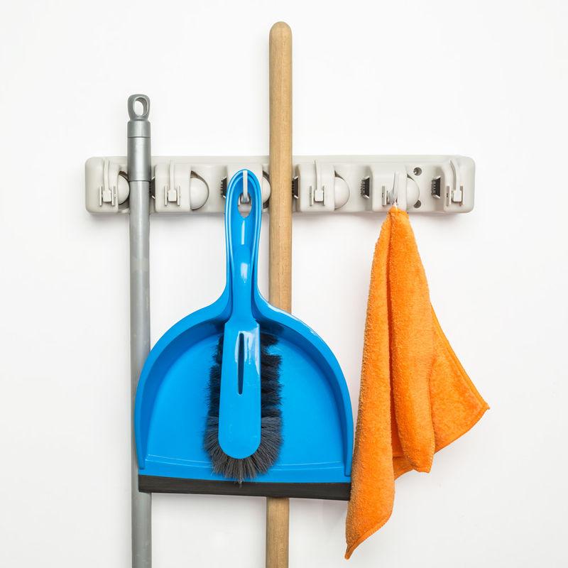 balais et outils de jardinage Support mural avec 6 crochets et 5 attaches rapides pour moquettes