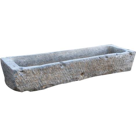 Ancienne baignoire en pierre