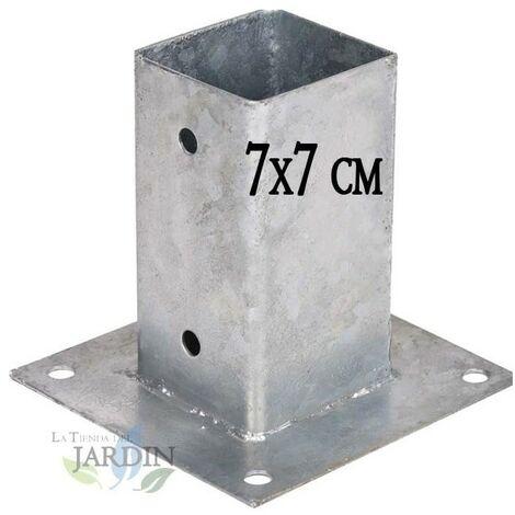 Anclaje cuadrado metálico 7x7 cm, base 15x15 cm. Ideal para postes de madera.