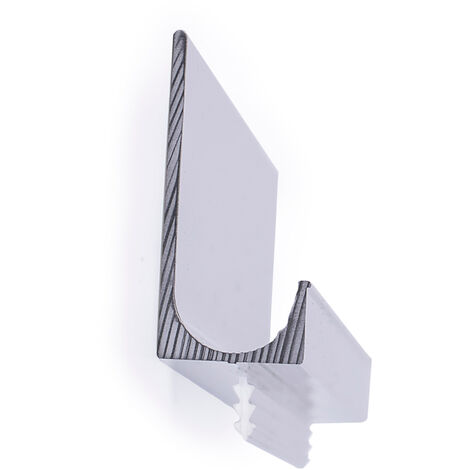Asas de estilo moderno, fabricada en aluminio, con acabado cromo brillo y 447 mm de distancia entre puntos.