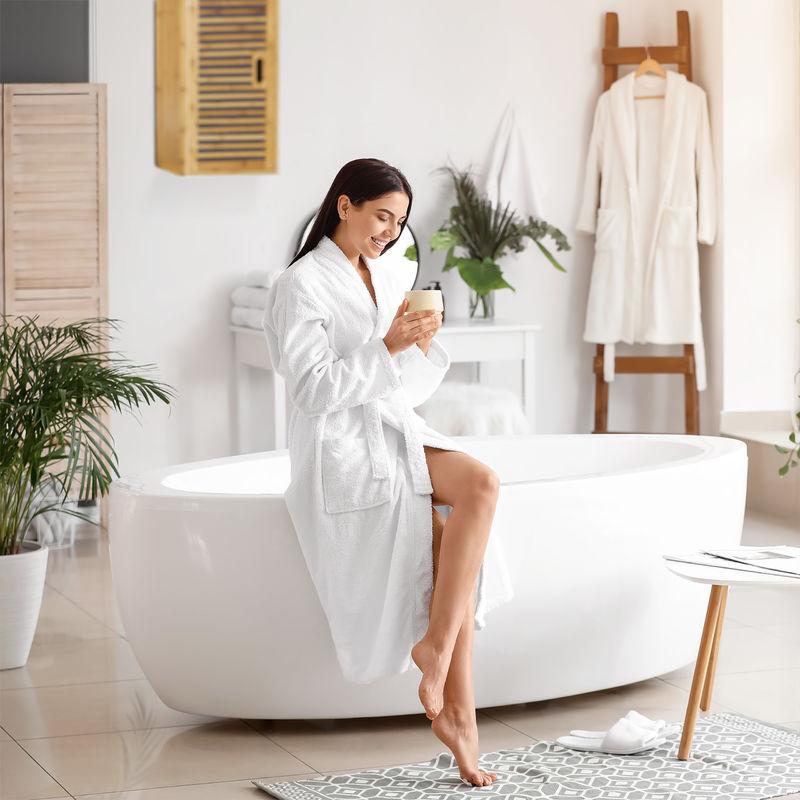 Badezimmer Hängeschrank Aus Bambus 2 Ablagen Mit Einlegeboden Badschrank Hxbxt 66 X 35 X 20 Cm Natur