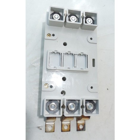 Base prise avant pour disjoncteur 3P version extractible DPX/DPX-I 630 LEGRAND 026552