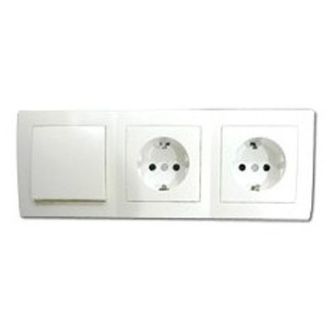 Base triple enchufe e interruptor doble empotrable