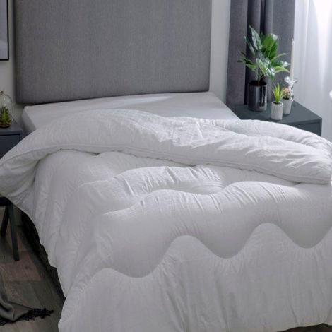 Belledorm Hotel Suite 4.5 Tog Filled Duvet