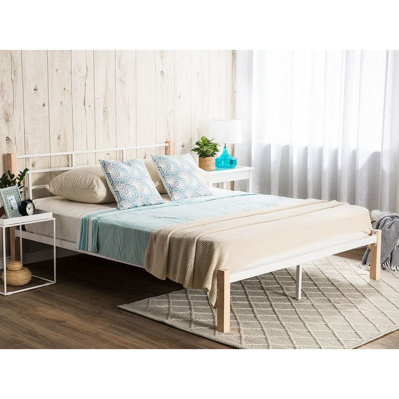 Doppelbett Weiß Hellbraun Metall Gummibaumholz 180 x 200 cm Romantisch Retro - BELIANI