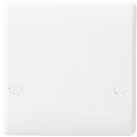 BG Nexus White Moulded 45A Cooker Outlet Plate, Bottom Entry