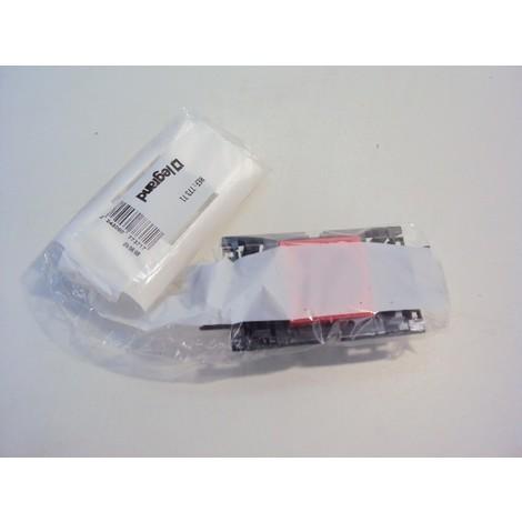 Bloc 1 prise 2P+T à detrompage Prmosaic avec support pour couvercle DLP 65mm LEGRAND 077371