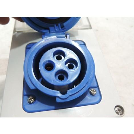 Boitier prise socle 3P+T 16A femelle bleu 200-250V 50/60HZ 9H protection fusible + inter de verrouillage IP55 GEWISS GW66227