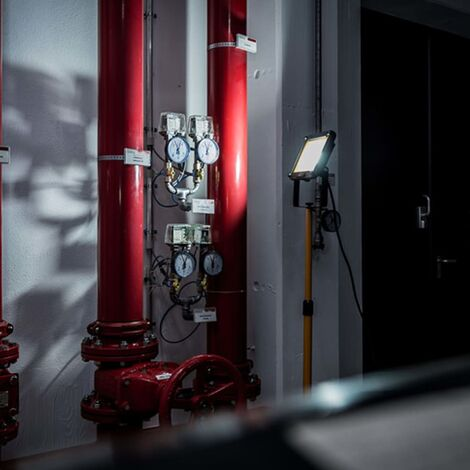 Brennenstuhl Projecteur LED à trépied JARO 5000 T IP65 50 W