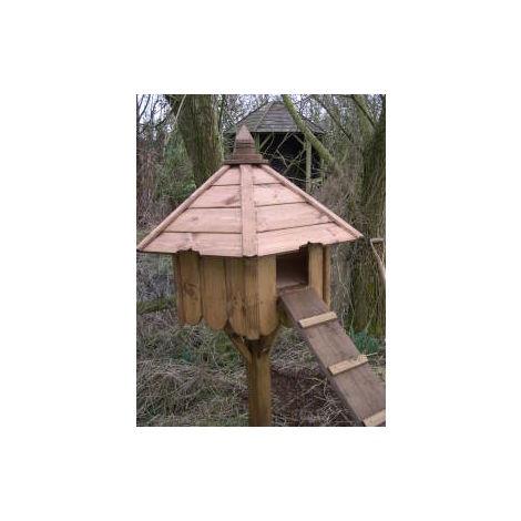 Buttercup Hexagonal duck house nesting box with post