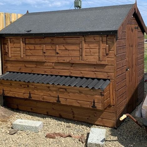 Buttercup Large Poultry Shed for chickens or ducks with Nestboxes for up to 50 chickens – Moveable hen house - wheels or skids optional extras