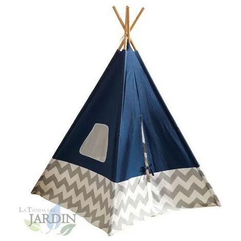 Cabane indienne avec bâche bleue et piquets en bambou