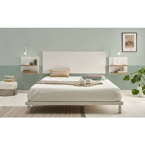 Cabecero madera blanca + 2 mesitas con estantes combinado madera maciza natural encerado y fondo blanco.