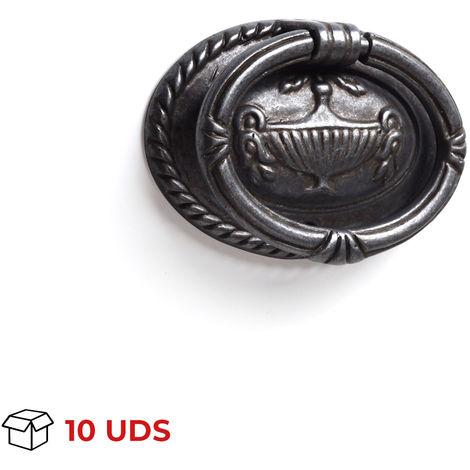 Caja con 10 anillas en placa de estilo vintage, fabricada en zamak, con acabado plata vieja y 62 mm de diámetro.