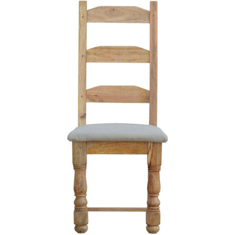 CHAIR WITH SEAT PAD