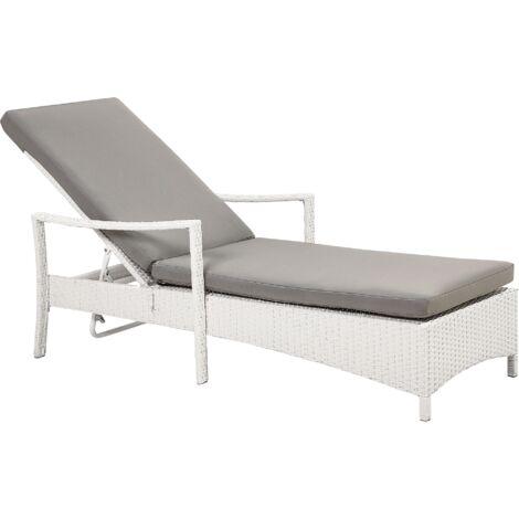 Chaise longue en résine tressée blanche