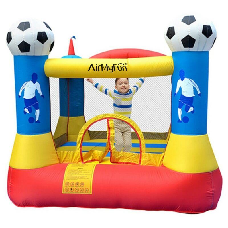 Play4fun - Château gonflable pour enfants 2,25m : aire de jeux gonflable rebondissante - souffleur et sac de rangement inclus - Football Aréna Castle