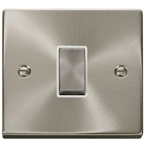 Click Deco 1G 2 Way 10AX Ingot Switch with White Insert Front (VPSC411WH)
