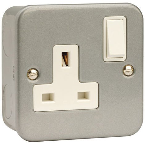 Click Metalclad 1G 13A DP Switched Socket Outlet (No KO) (CL035B)