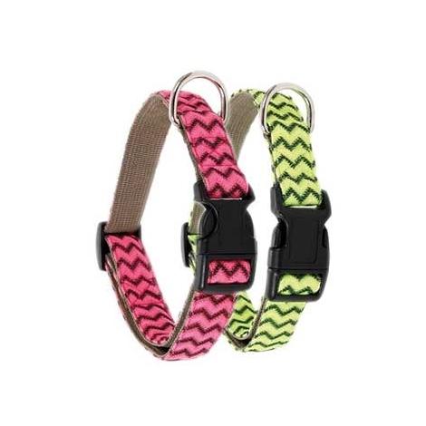 Collar para perro acolchado fabricado en nylon disponible en varios colores y tallas.