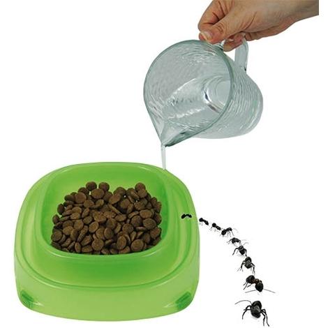 Comedero plástico Antihormigas 22x22cm Capacidad: 700 ml, base antideslizante