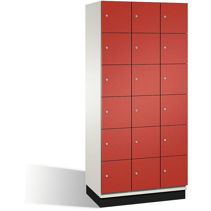 CP Armoire à casiers CAMBIO avec portes en acier - 18 casiers, largeur 900 mm - corps blanc pur/porte rouge feu - Coloris corps: blanc pur RAL 9010