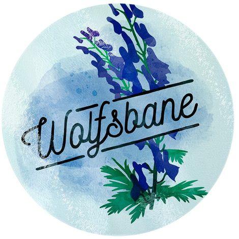 Deadly Detox Wolfsbane Circular Glass Chopping Board (One Size) (Blue)