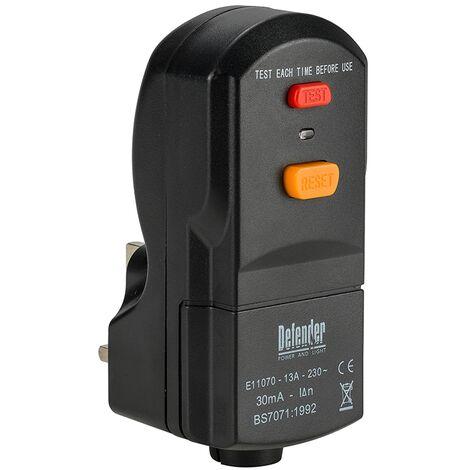 Defender RCD Wireable Plug 13amp 240v E11070C