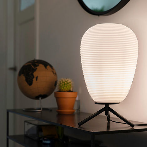 Design table lamp black 20 cm with opal glass - Hero