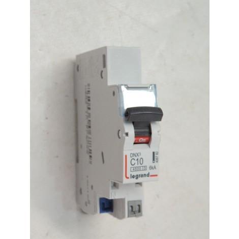 Disjoncteur 10A 1P+N courbe C 4.5kA bornes alignées connexion auto DNX3 4500 LEGRAND 406782