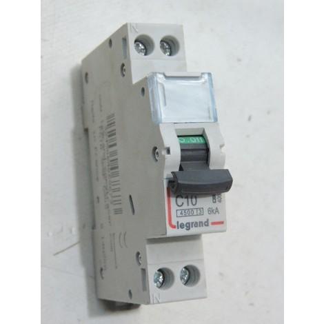 1 disjoncteur DT40 25 A Schneider
