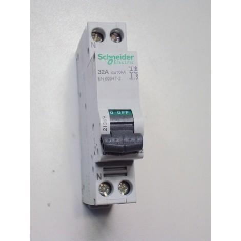 Disjoncteur 32A 1P+N courbe C 10KA DT40N (remplacé par A9N21369) SCHNEIDER 21369