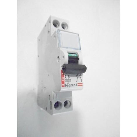 Disjoncteur 6A 1P+N courbe C 4.5kA LEXIC DNX LEGRAND 006015