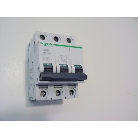 Schneider Electric GV2P32 GV2P Disjoncteur Moteur Bouton Rotatif 50//60 Hz 24-32 A D/éclencheur Magn/étothermique 3P 690 VAC