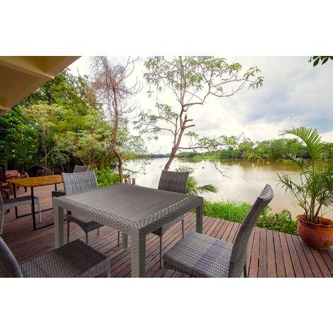 Dmora Mesa exterior cuadrada, estructura de resina dura efecto ratán, Made in Italy, 80 x 80 x 72 cm, Color Blanco