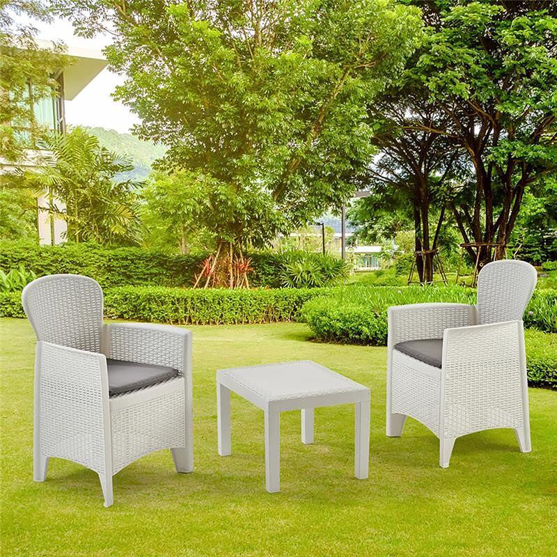 Salon intérieur et extérieur composé de: 2 fauteuils et 1 table basse, avec 2 coussins, Made in Italy, Couleur Blanc - Dmora
