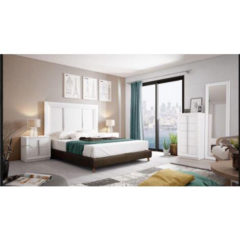 Dormitorio de matrimonio en varios colores incluye cabezal, mesitas, sifonier y un espejo