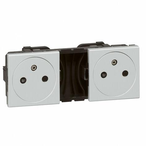 Double prise de courant 2P+T Surface précâblées Mosaic 2x2 modules alu (079344)