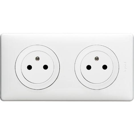 """main image of """"Double prise de courant Céliane Surface avec plaque + boite à encastrer - Blanc"""""""