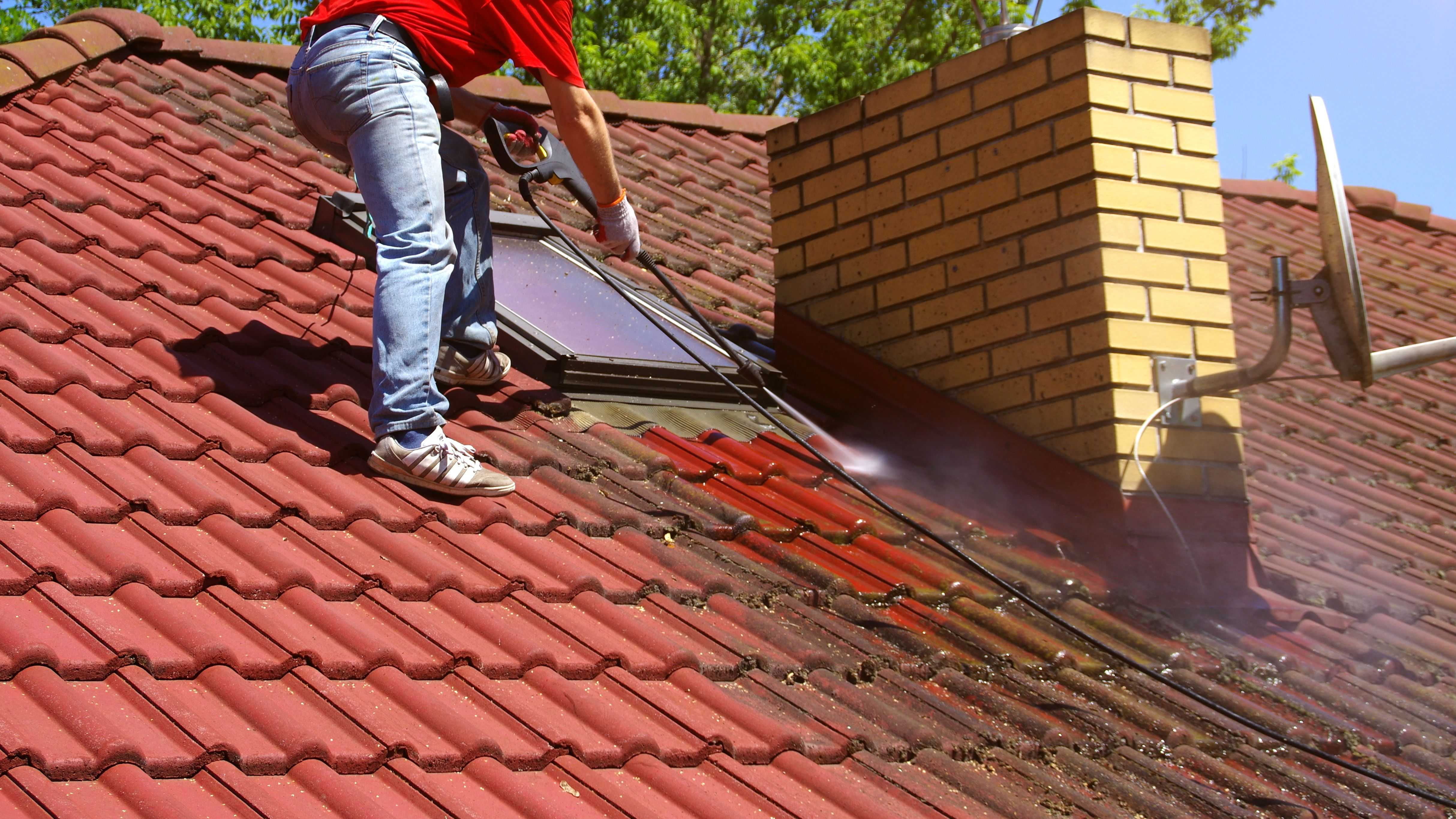 Comment choisir  ses produits de protection et d'entretiens pour sa toiture