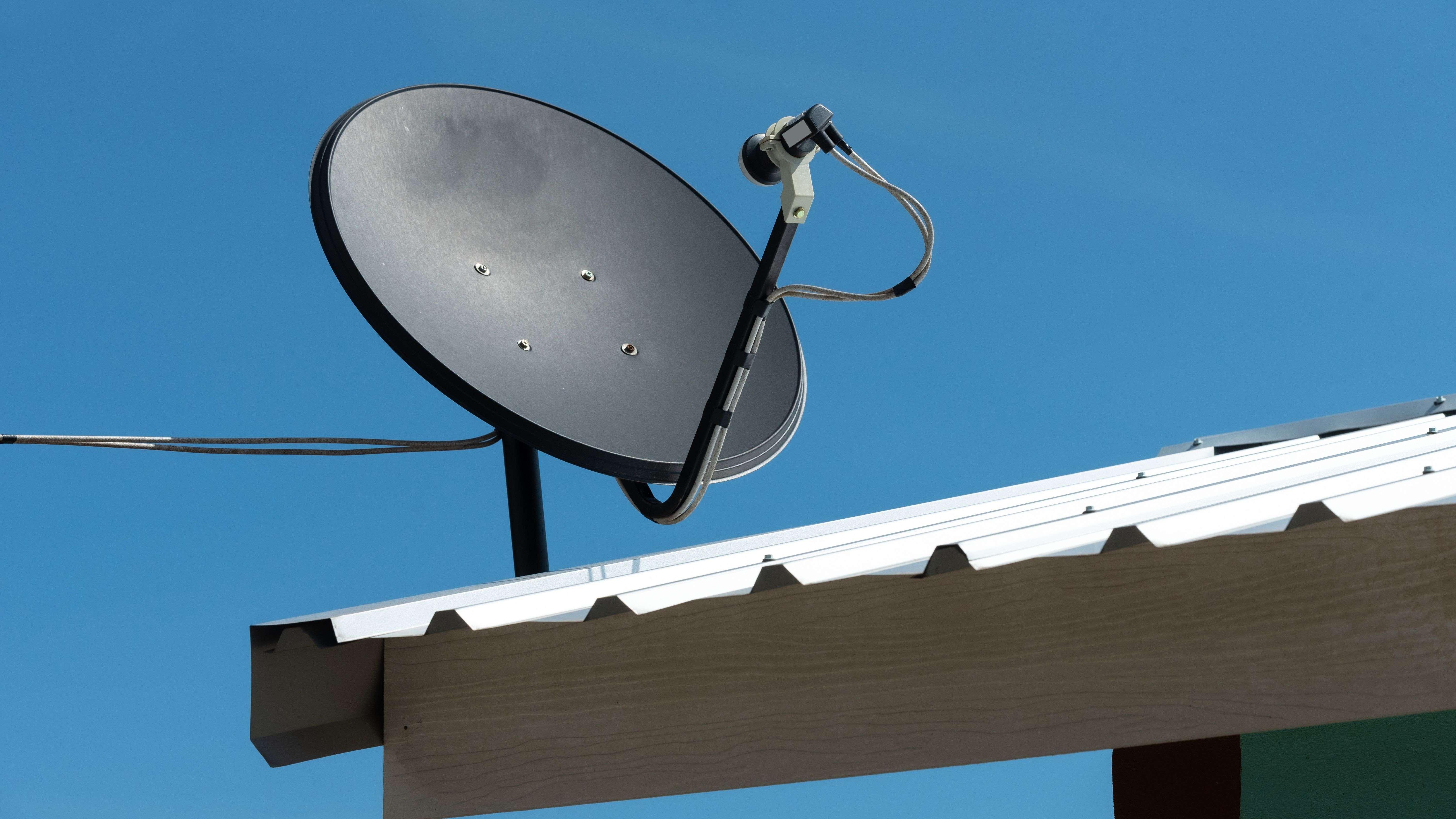 ¿Cómo instalar una antena parabólica?