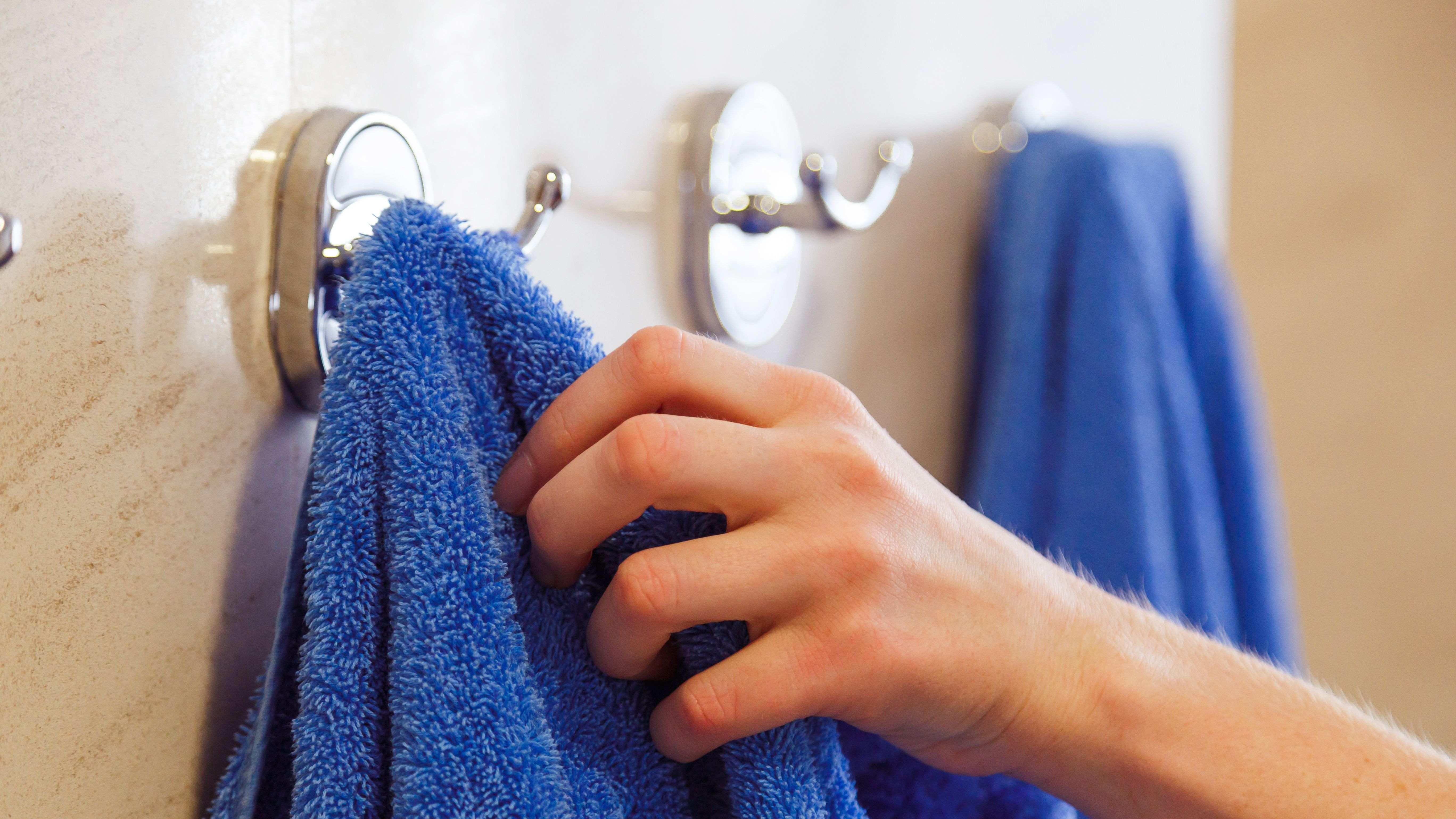 Porte-serviette et patère de salle de bains :  comment choisir