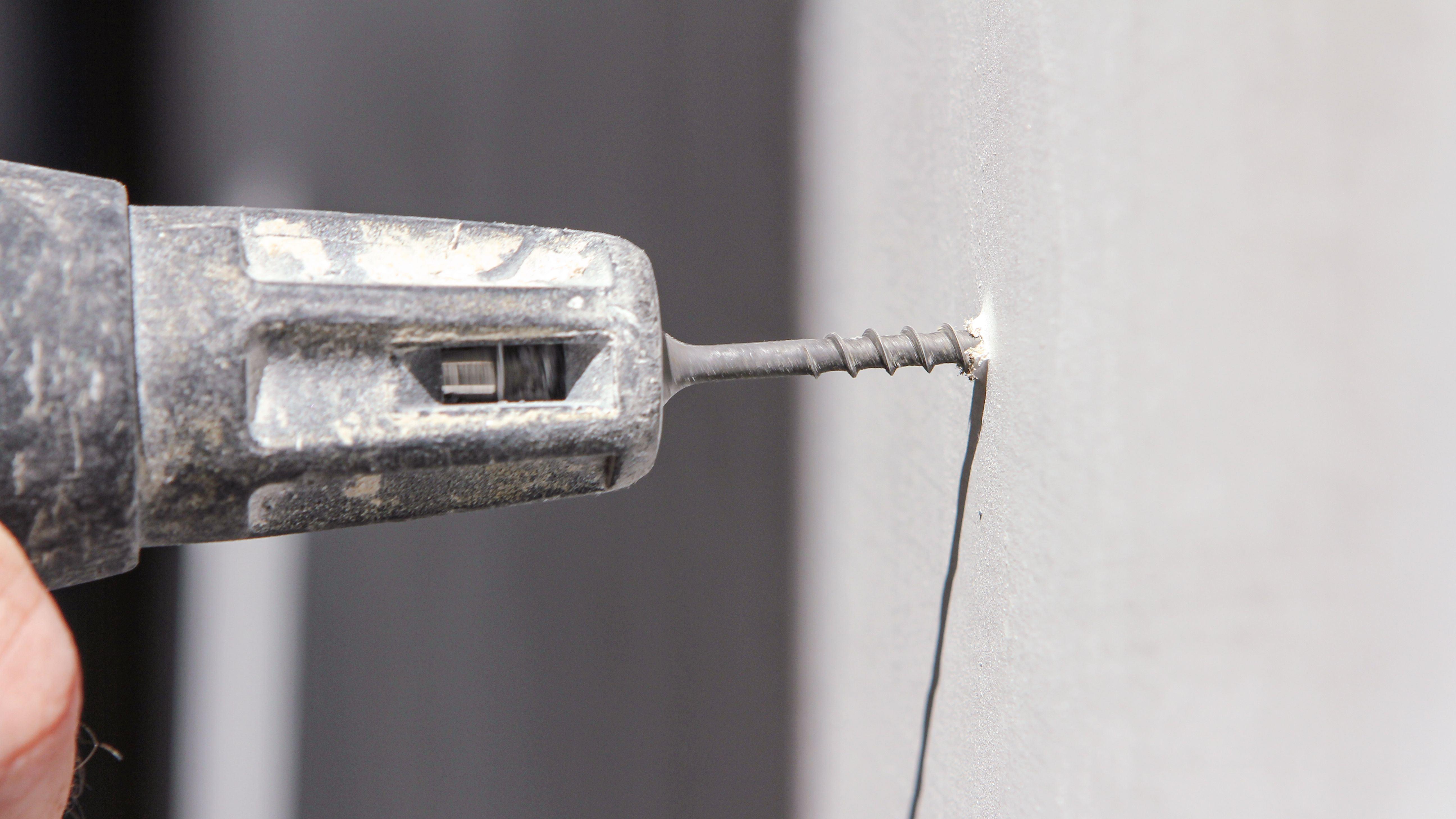 ¿Cómo elegir un atornillador para placas de cartón-yeso?