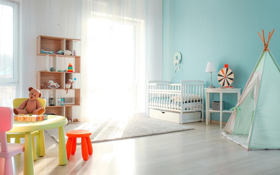 Comment et pourquoi humidifier  une chambre bébé