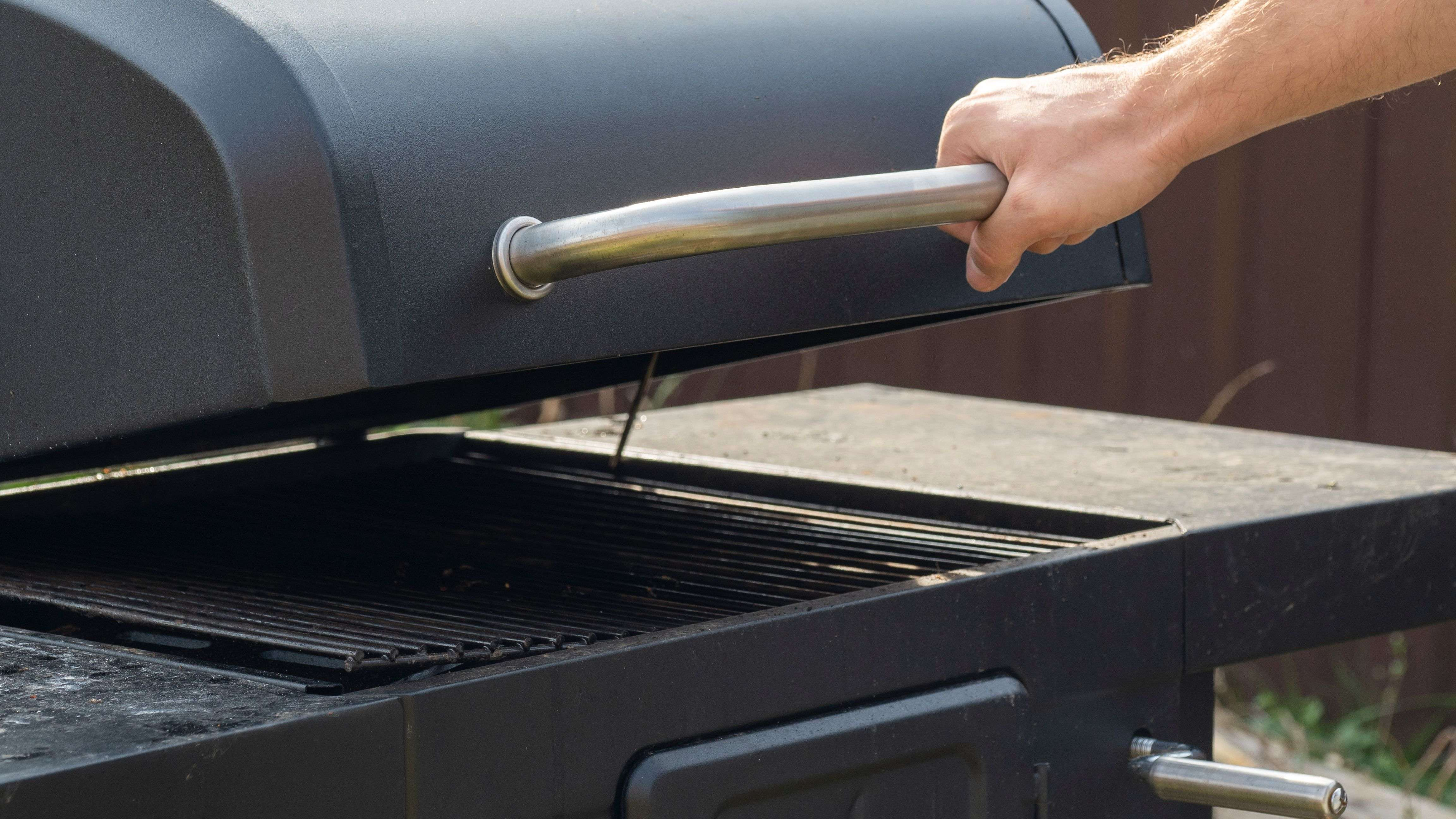 Barbecue :  cuisson à l'étouffée