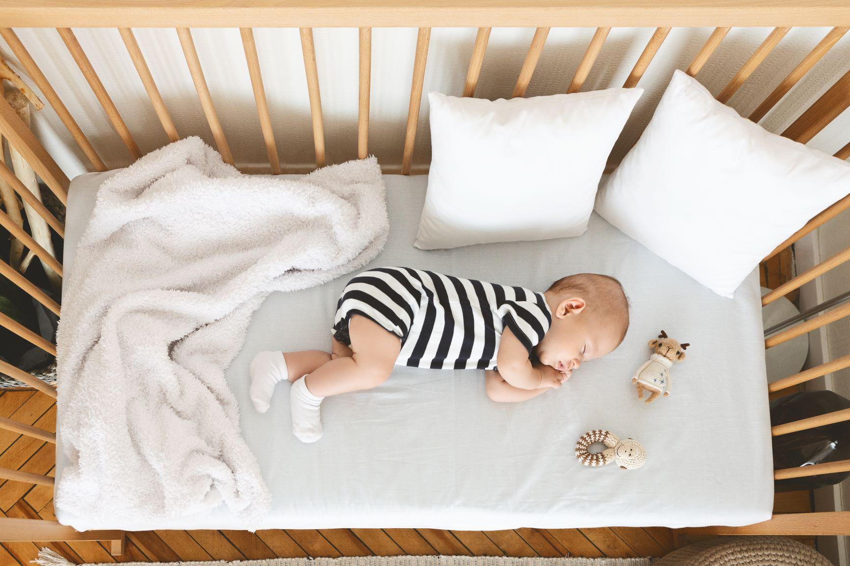 Come scegliere un lettino per neonati