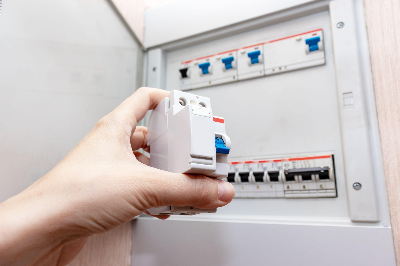 Comment choisir son interrupteur ou son disjoncteur différentiel